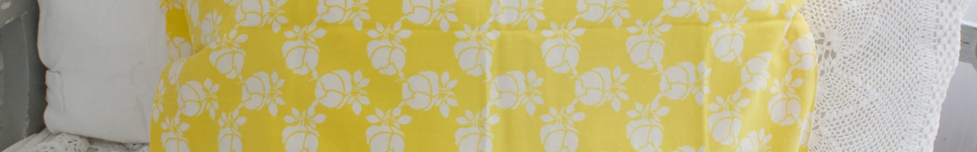 keltainen retro tyynyliina